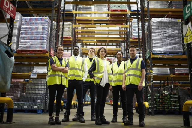 warehouse-workers-full.jpg